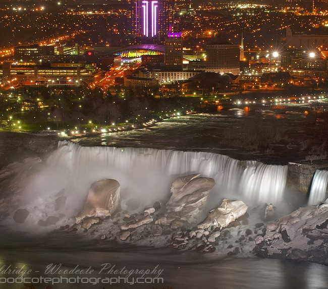 Niagara Falls at Night  – US – long exposure